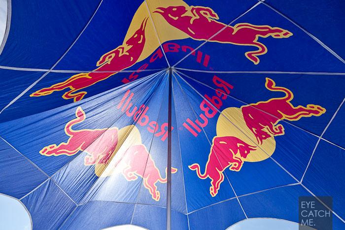 Fotograf Eyecatchme aus Köln hat dieses Foto eines Red Bull Zeltes gemacht