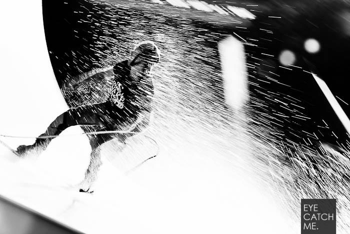 Beim Event im Kölner Stadionbad, hat der Fotograf viele Action Fotos von Wakeboardern gemacht