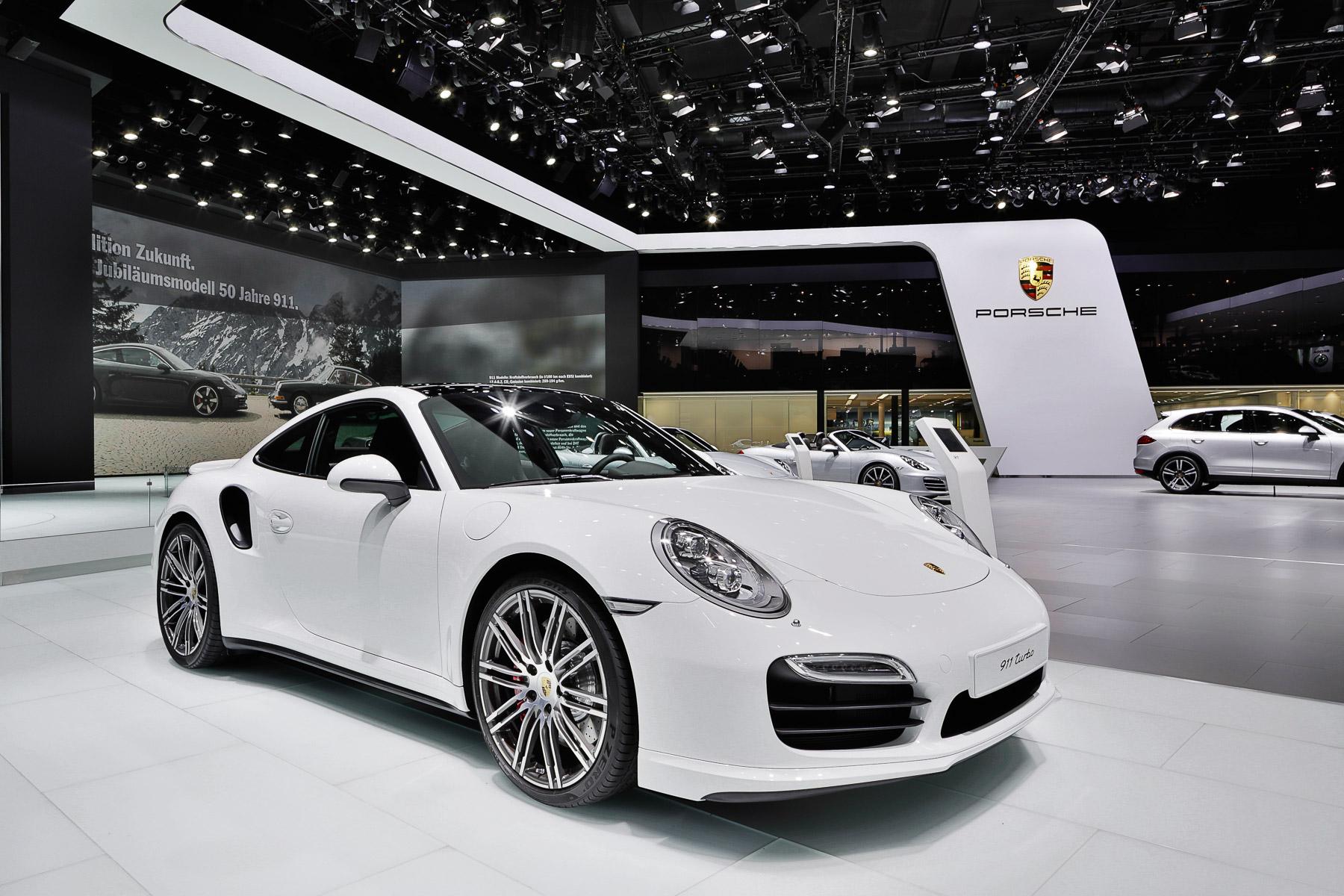 Porsche - Messestand IAA - EYECATCHME. Photography